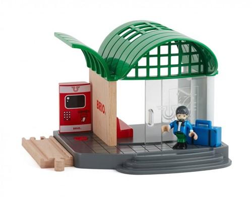 Brio  houten trein gebouw Station met geluid 33745-1