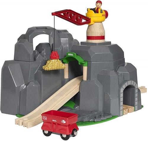 BRIO Crane and Mountain Tunnel