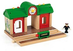 Brio  houten trein gebouw Station met geluid opname 33578